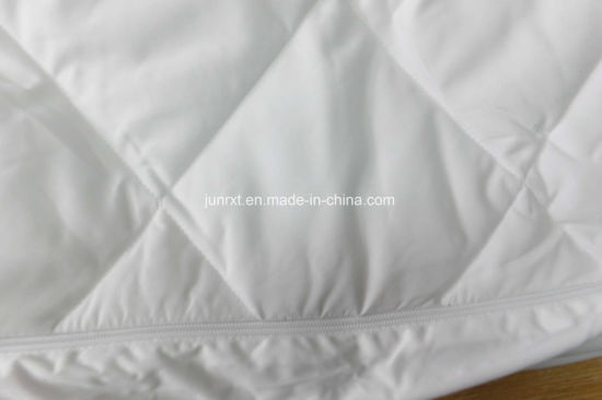 High Quality Double Wire Plaid Polyester Pongee Waterproof Mattress Protector with White Knitted Fabric