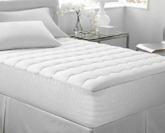 Exquisite Fill Quilt Mattress Protector in White